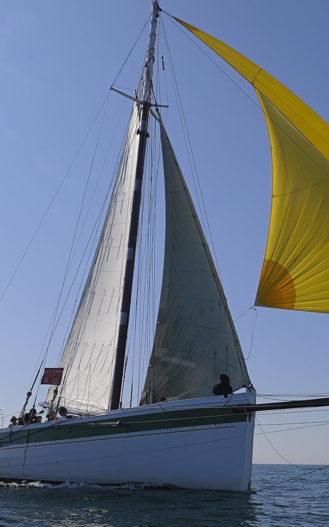 Cap sur Houat a bord du Krog E BarzEmbarquez sur un voilier du patrimoine. Une experience bretonne