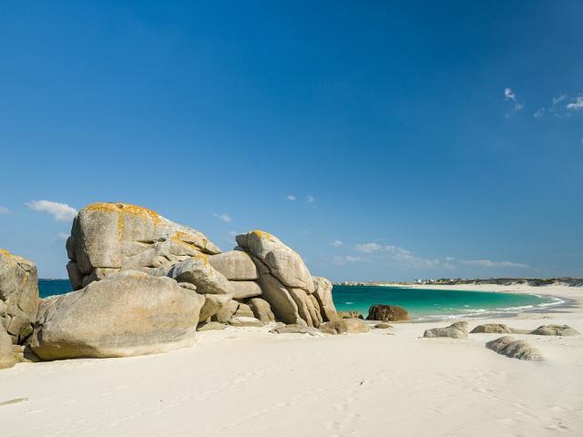 La plage de Kerlouan près du hameau de Meneham
